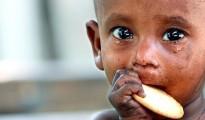 infante con hambre