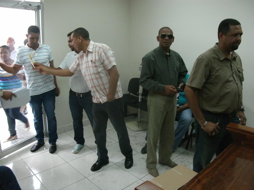 abogados votando