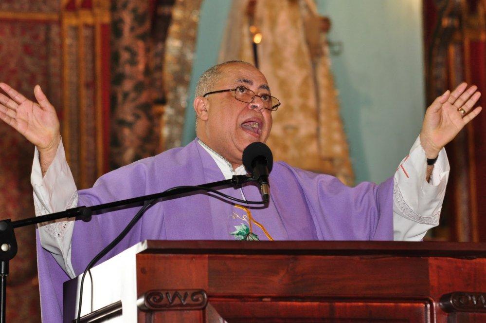 sacerdote maximo rodriguez