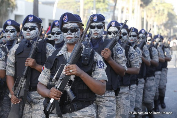 policias camuflageados