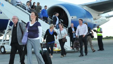 Turistas-llegando-por-el-aeropuerto-de-Punta-Cana